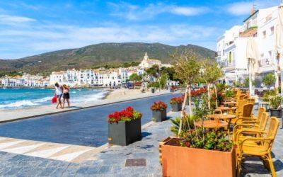 couple walking on catalonia walking holiday