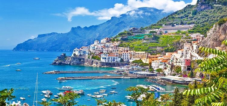 bay of amalfi coast